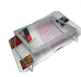 tavolino con lente d'ingrandimento
