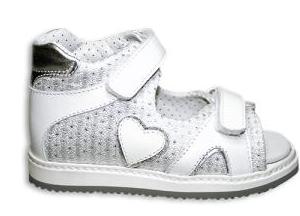 scarpa comoda aperta per bambina