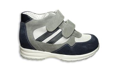 scarpa comoda per bambino con chiusura a strappo
