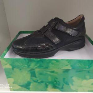 calzatura con plantare tipo modello hogan nera